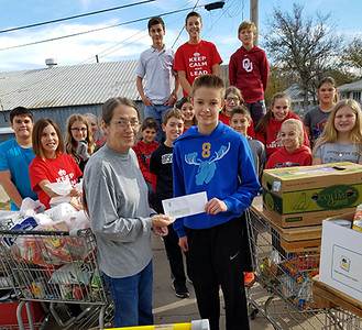 WMS Leadership Group Assists Food Bank NOV 2016